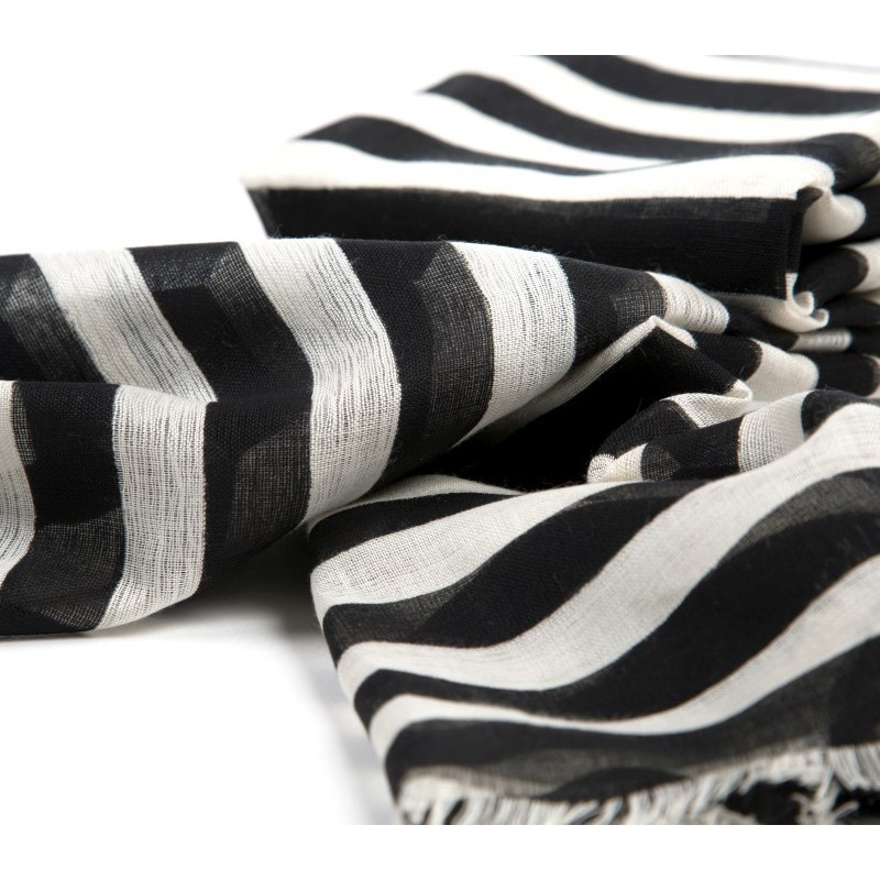 schal schwarz wei xxl blogger schal kariert schwarz weiss gitter plaid scarf schal 39 doglove. Black Bedroom Furniture Sets. Home Design Ideas