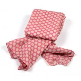 Pinkfarbiges Polkadot Tuch mit beigen Punkten
