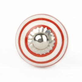 Kleiner weißer Möbelknopf mit roten Streifen
