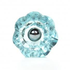 Geschliffener Möbelknauf aus Glas mit hellem Blauschimmer