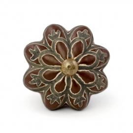 Brauner Kürbisknauf ornamentalem Muster